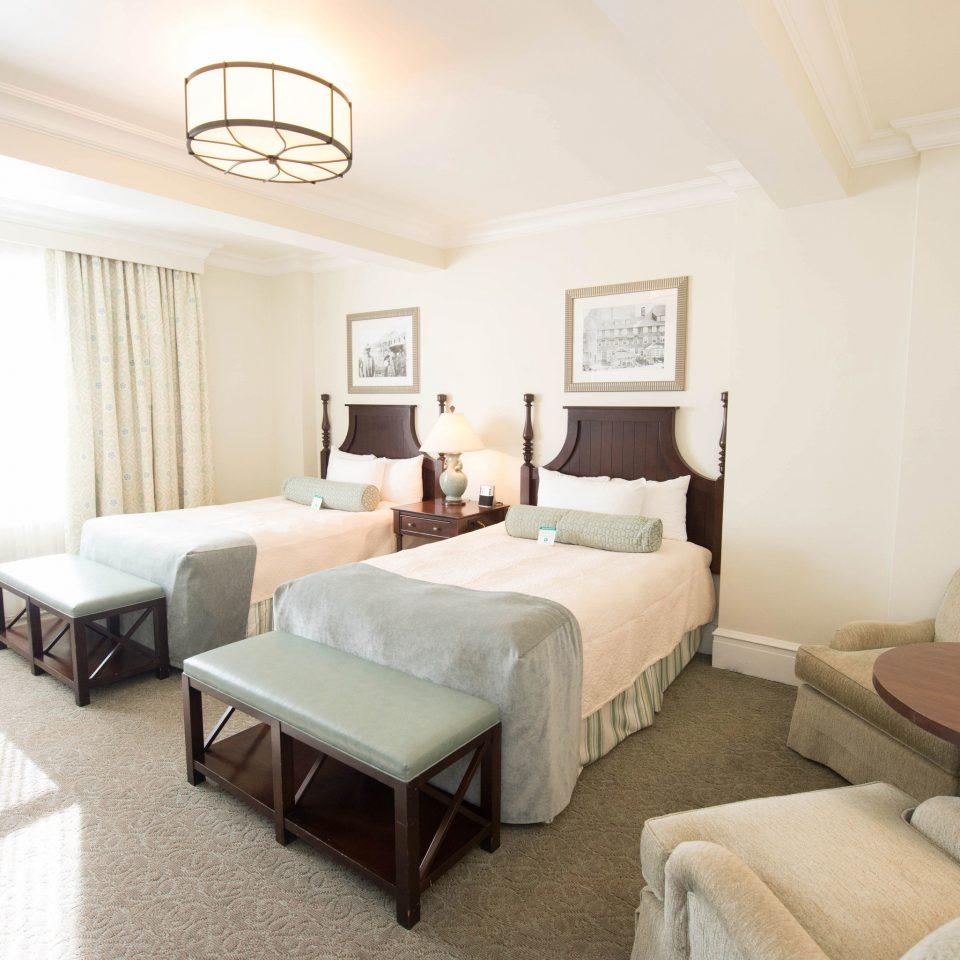 property Bedroom Suite cottage living room condominium Villa