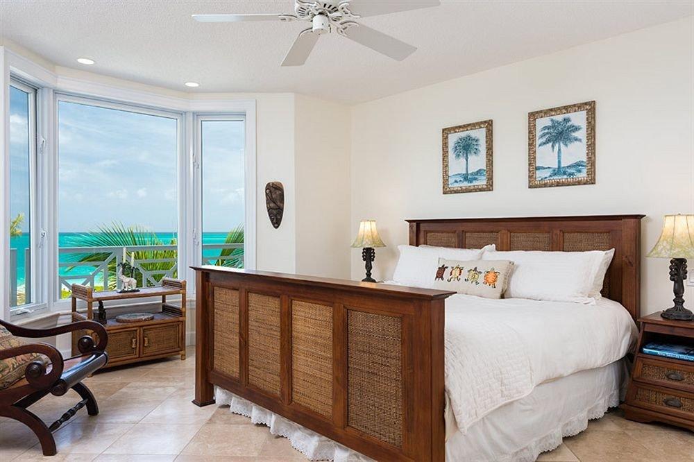 property Bedroom home hardwood cottage Suite living room condominium Villa