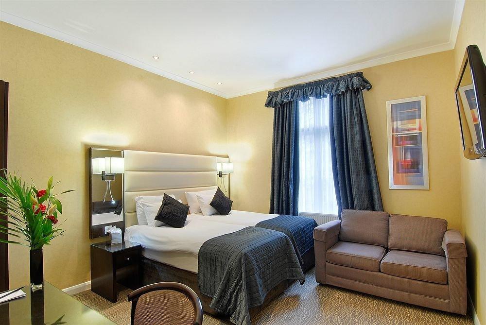 property living room Suite home condominium Bedroom cottage Villa