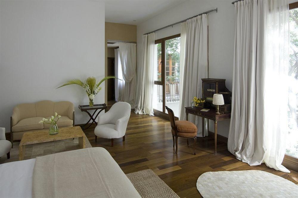 property curtain Bedroom living room Suite home cottage Villa condominium