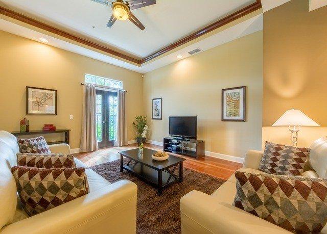 sofa property living room home Suite condominium cottage Bedroom Villa flat