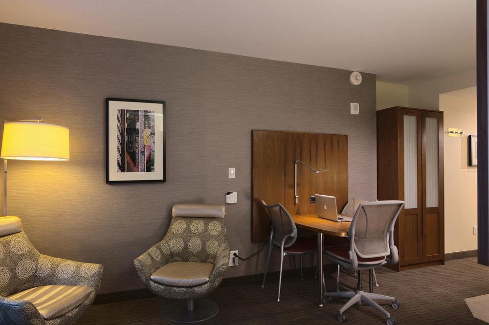 property living room home condominium Suite cottage Villa Bedroom