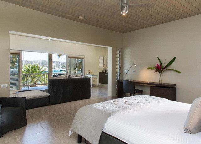 property Bedroom condominium home Suite living room cottage Villa flat