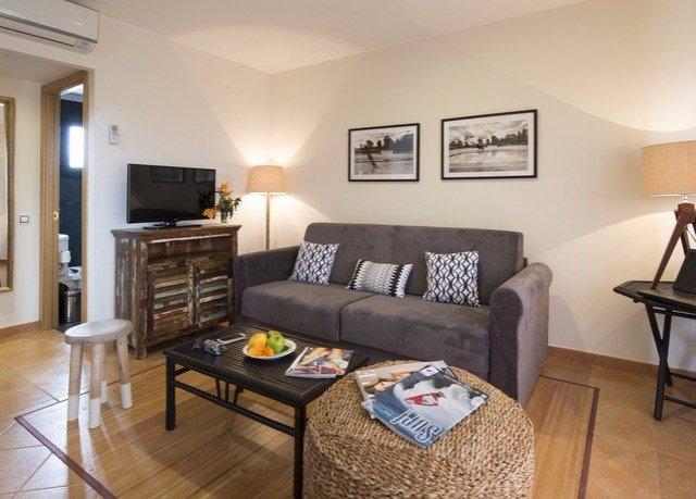 property living room cottage home Suite hardwood condominium Bedroom Villa hard flat