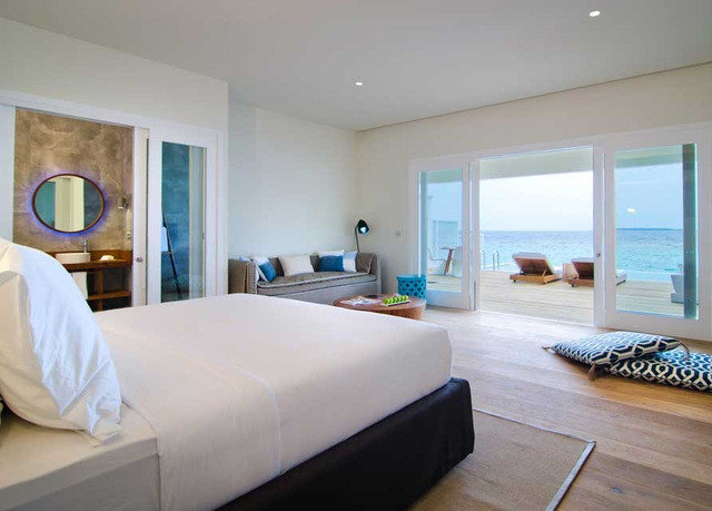 property condominium Bedroom Suite Villa