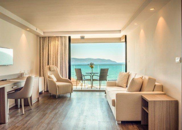 property living room Suite condominium Villa nice Bedroom hard
