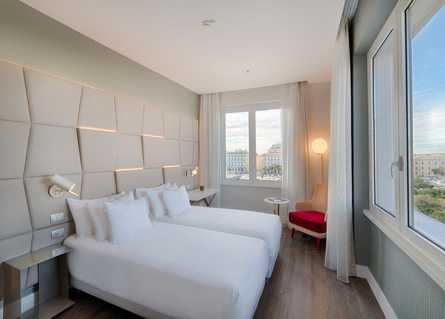 property Bedroom condominium living room home Suite cottage Villa