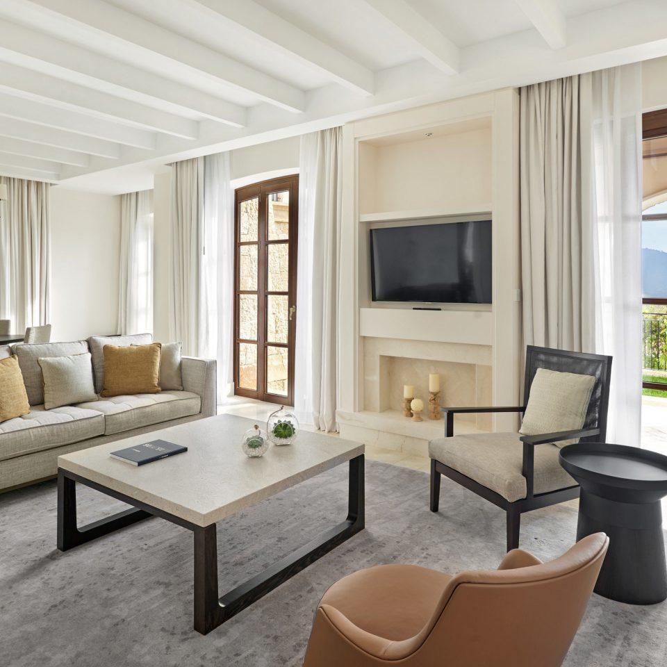 living room property condominium home hardwood cottage Suite Villa Bedroom