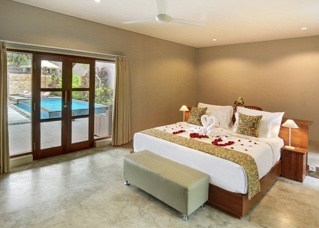 property Suite Bedroom living room Villa cottage condominium