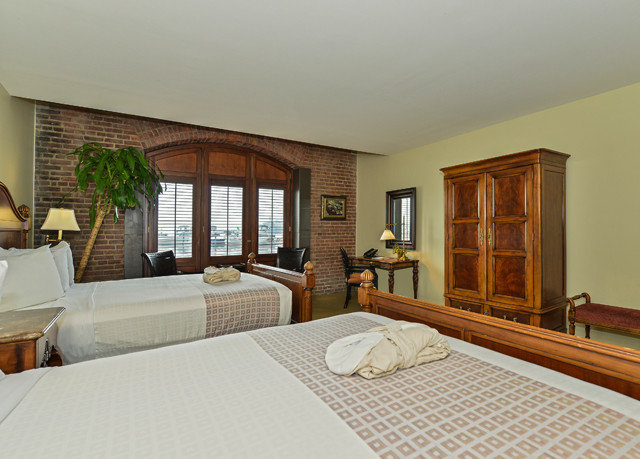property Suite Villa living room hardwood condominium Bedroom home cottage