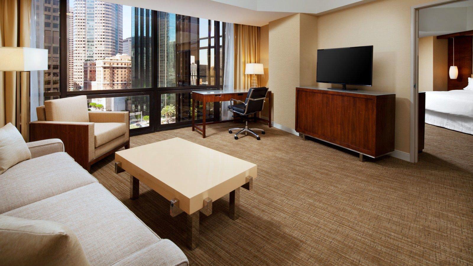 property Suite living room condominium hardwood home Bedroom Villa