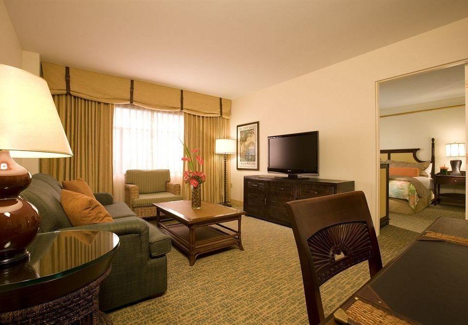 property Suite living room condominium home hardwood cottage Villa Bedroom lamp