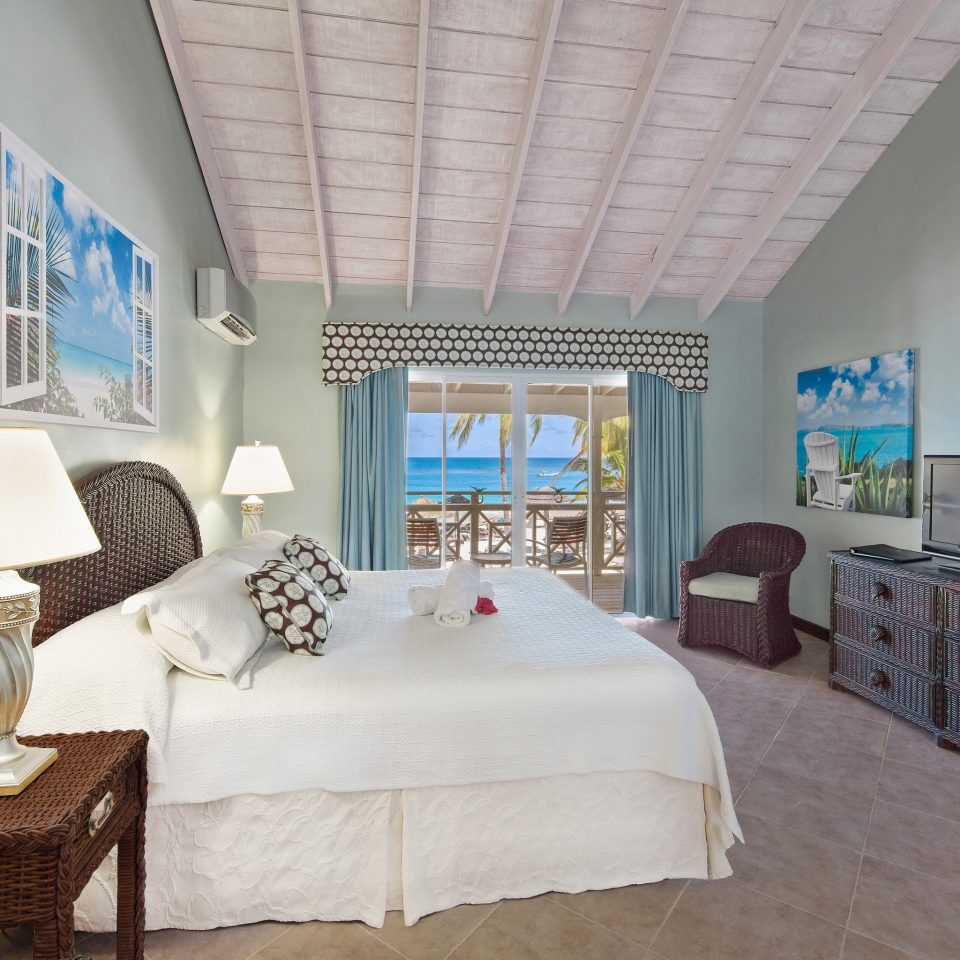property Bedroom house living room home cottage Villa Suite condominium