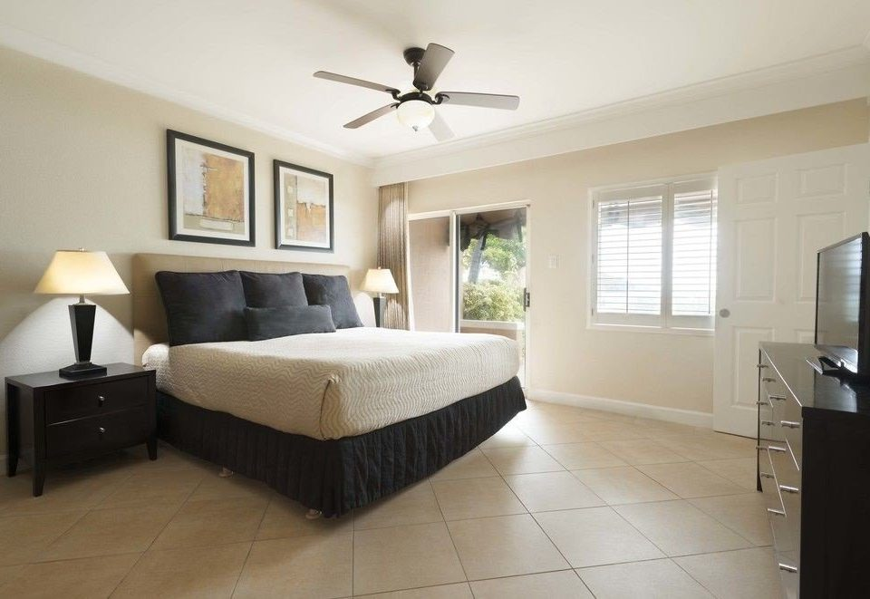 property Bedroom home condominium living room hardwood cottage Villa Suite
