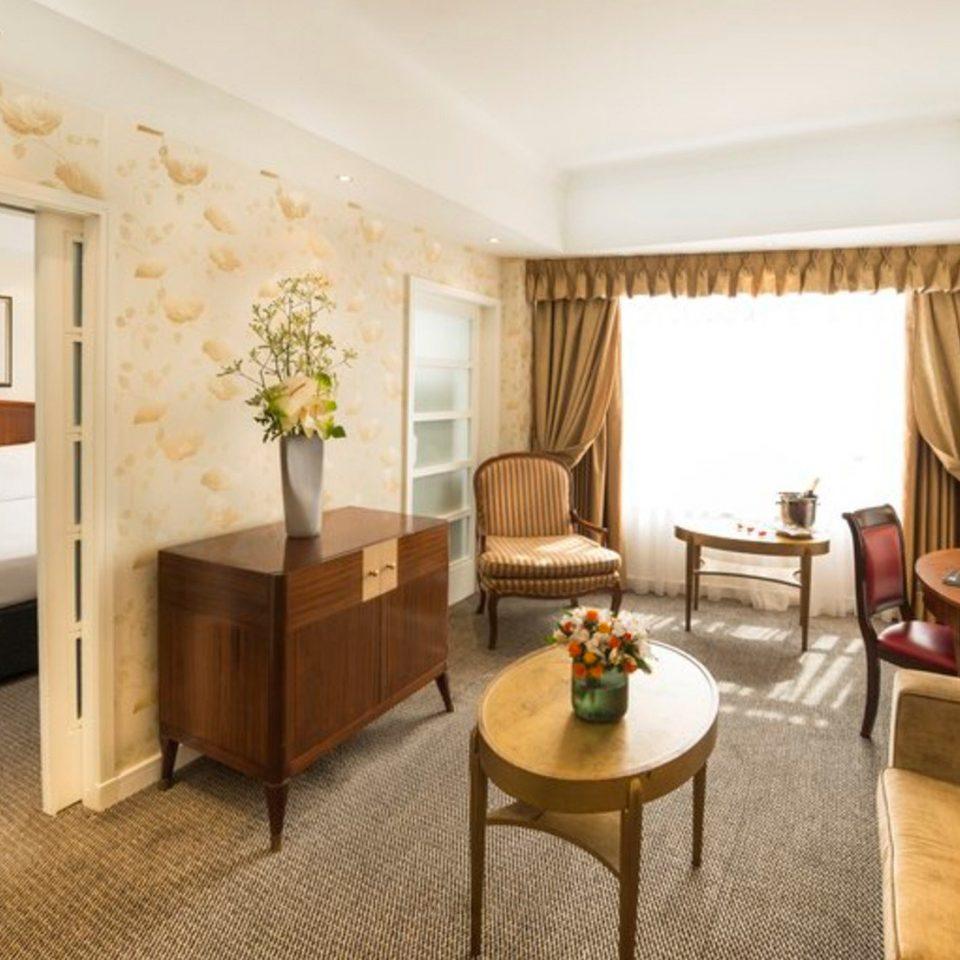 property Suite living room condominium cottage Villa Bedroom