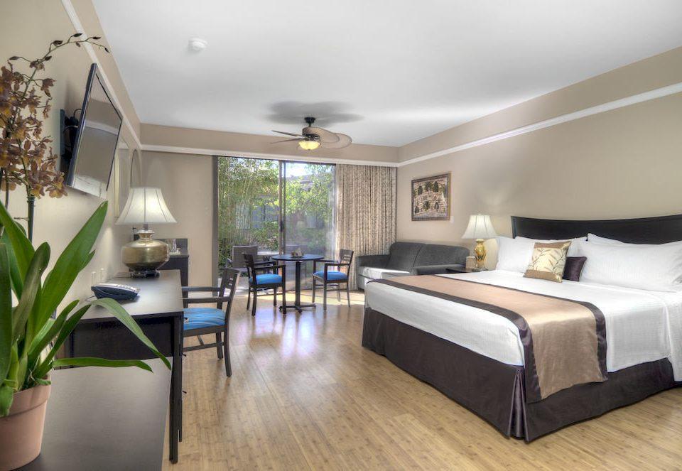 property condominium Suite home hardwood Villa living room mansion Bedroom