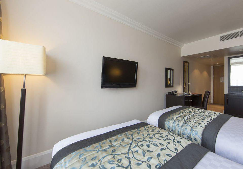 sofa Bedroom property Suite home condominium cottage living room Villa