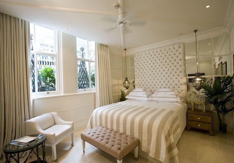 property Bedroom home living room cottage Suite condominium Villa