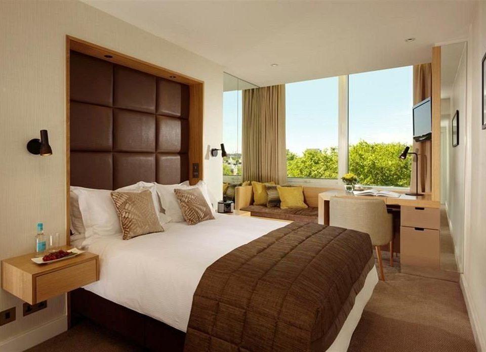 sofa Bedroom property Suite cottage home Villa condominium farmhouse flat