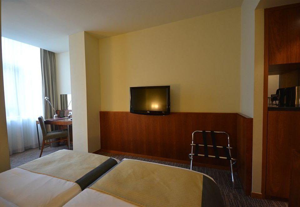 property Suite hardwood home cottage condominium Villa Bedroom
