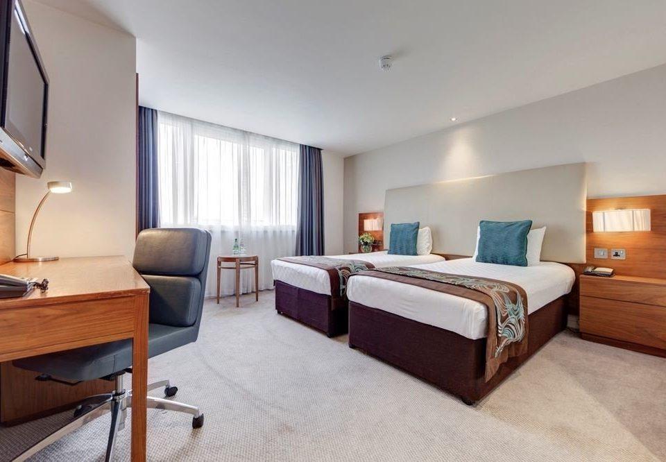 Bedroom property Suite hardwood cottage condominium living room Villa