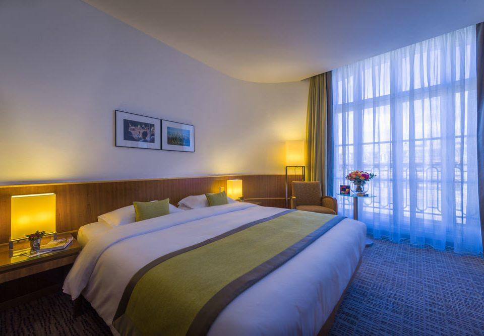 Bedroom sofa property Suite condominium Villa flat