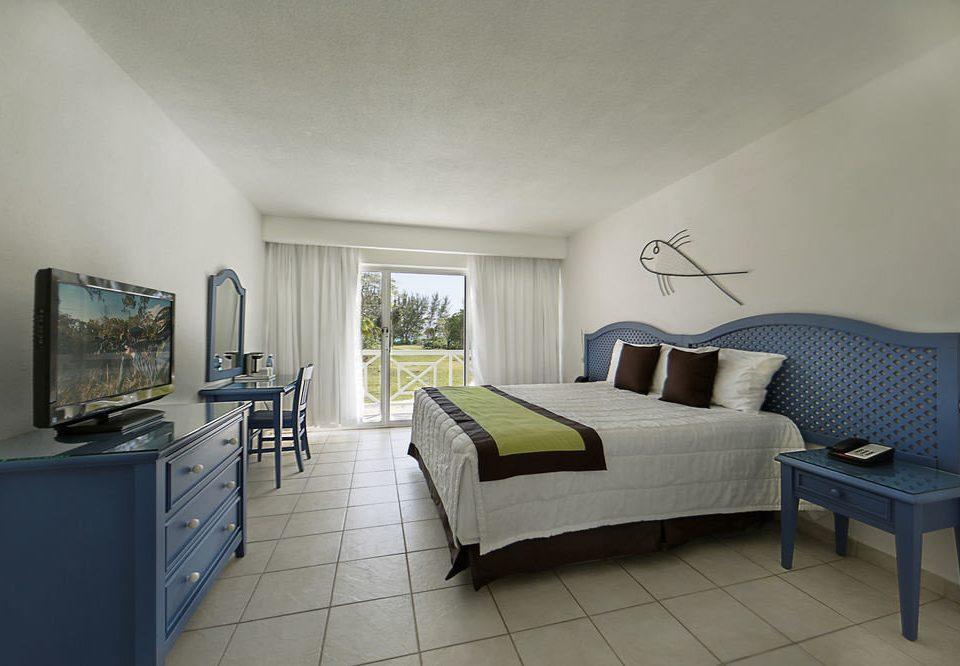 property Bedroom living room home condominium Suite cottage Villa