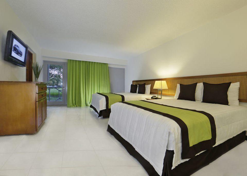 Bedroom property Suite condominium green cottage Villa