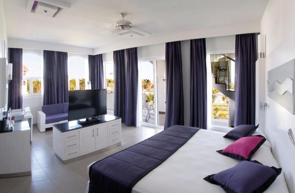 property scene condominium living room Bedroom Suite home Villa cottage