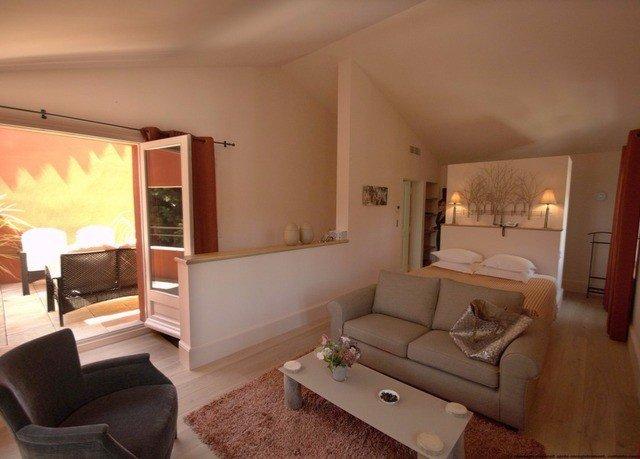 property living room Suite Villa home cottage condominium Bedroom