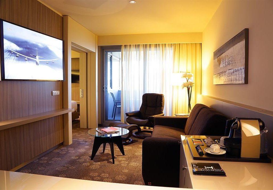 property living room home Suite condominium cottage Villa flat Bedroom