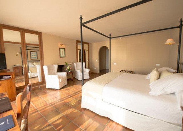 property Bedroom Suite hardwood cottage living room condominium Villa wood flooring