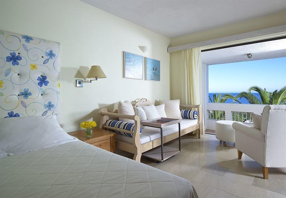 property Bedroom condominium Suite home living room cottage Villa