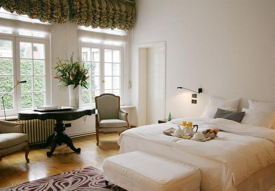property living room home Bedroom cottage Suite condominium Villa farmhouse