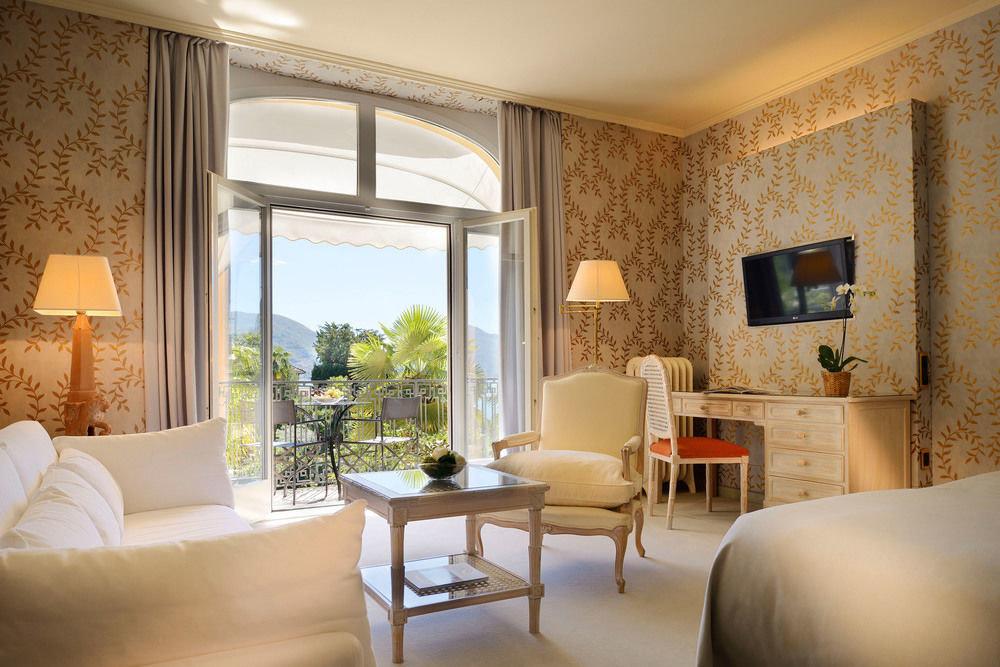 sofa property living room Suite home condominium Villa cottage farmhouse Bedroom