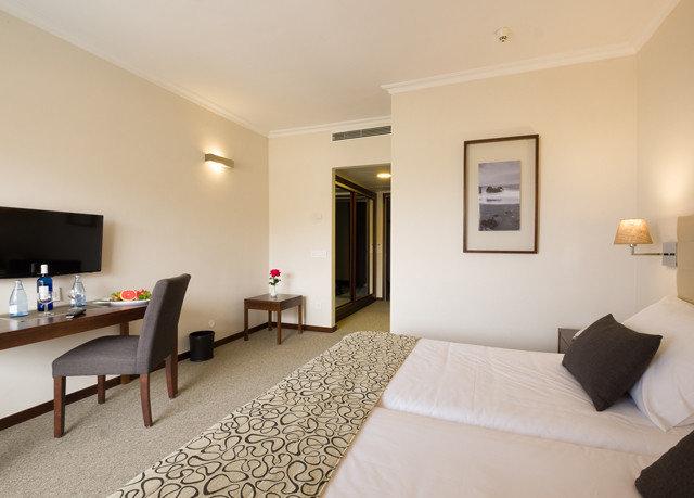 property Suite Bedroom condominium living room Villa flat cottage