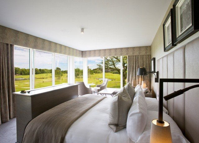 property home house condominium Bedroom living room Suite Villa cottage mansion