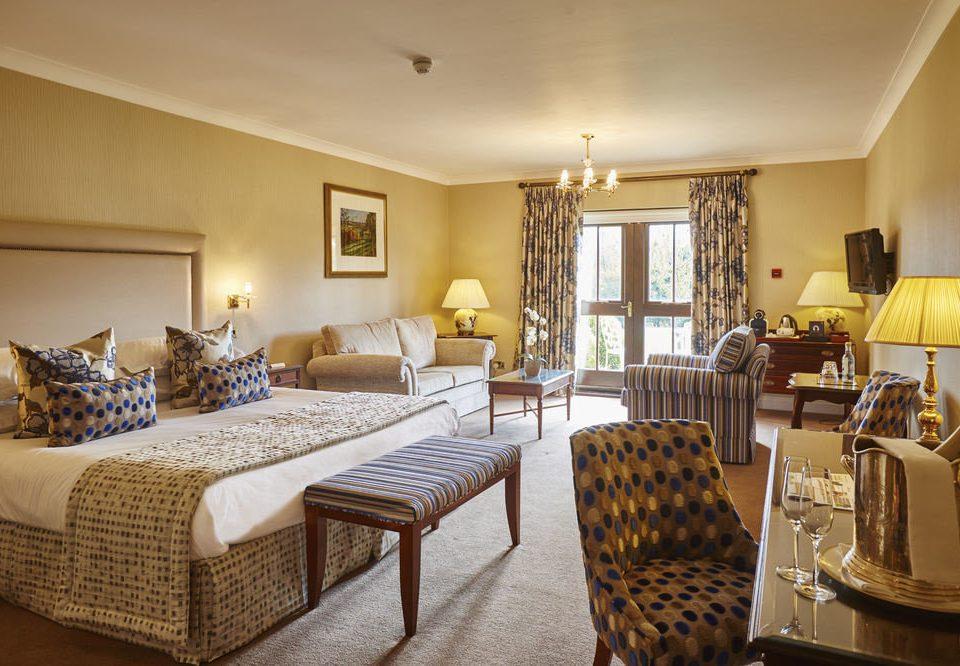 property Bedroom Suite living room home cottage Villa condominium