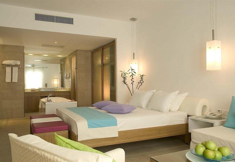 property Bedroom living room Suite home condominium cottage Villa