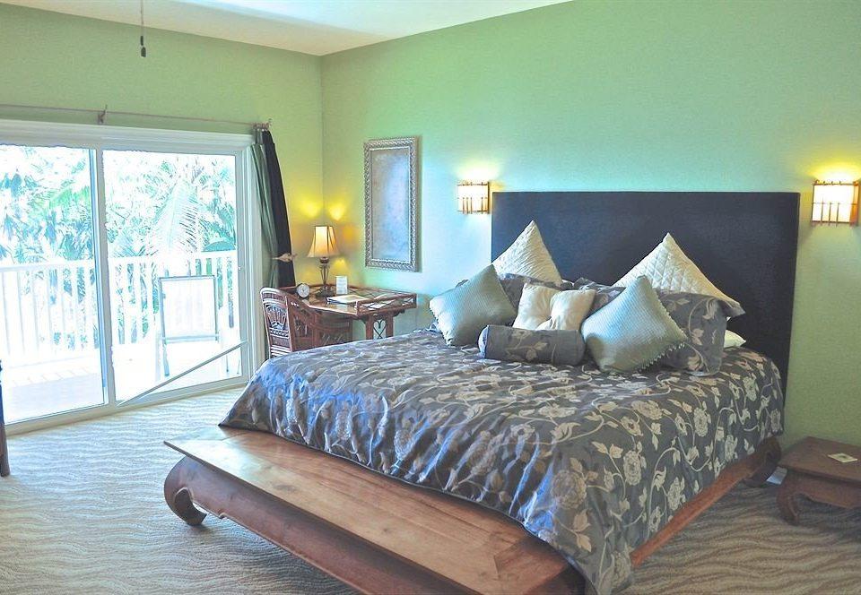 property Bedroom living room cottage home hardwood Villa condominium Suite