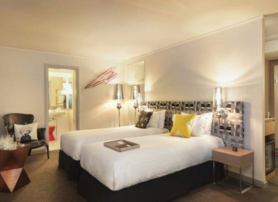 property Bedroom living room Suite condominium Villa cottage