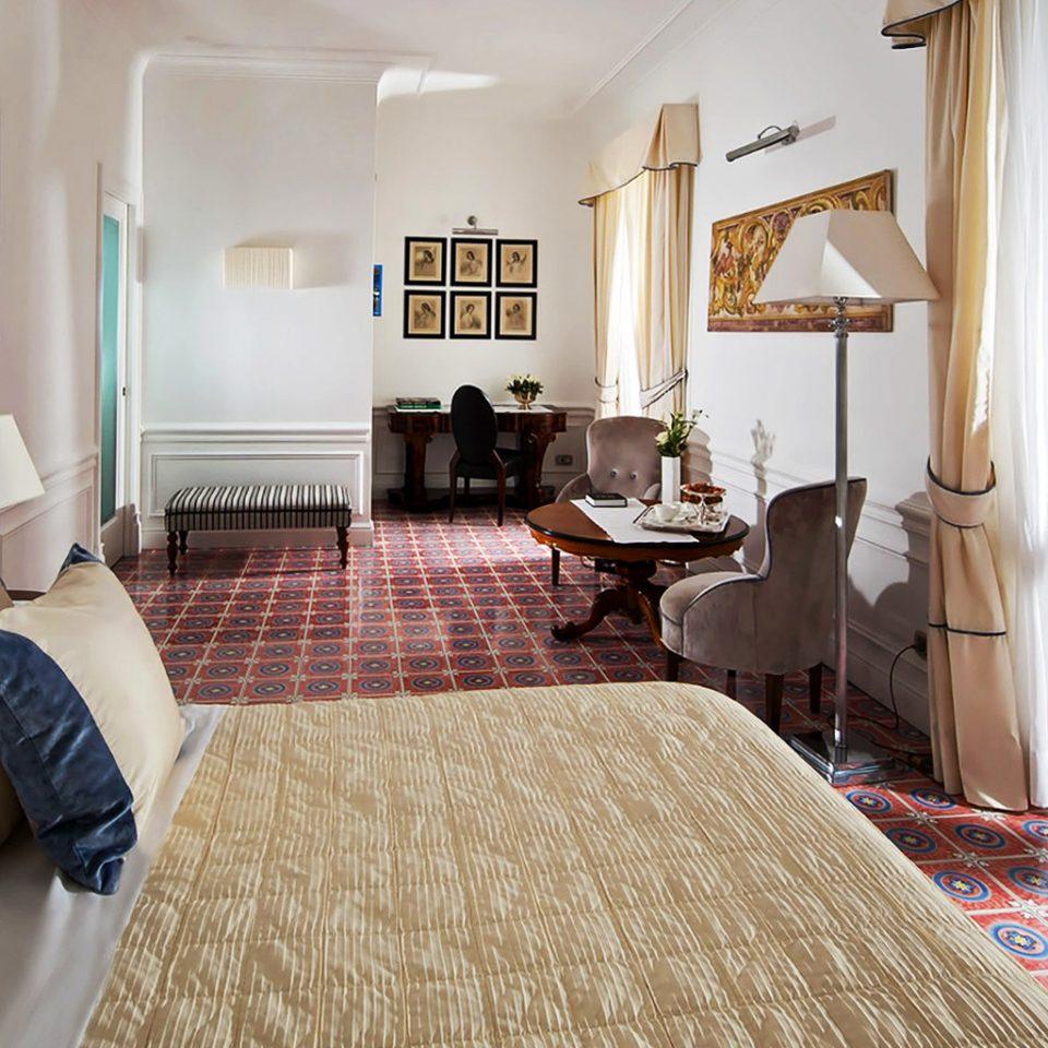 property Bedroom Suite home cottage condominium living room Villa