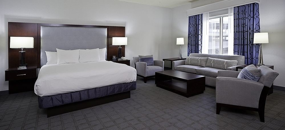 sofa Bedroom property Suite living room condominium home cottage Villa