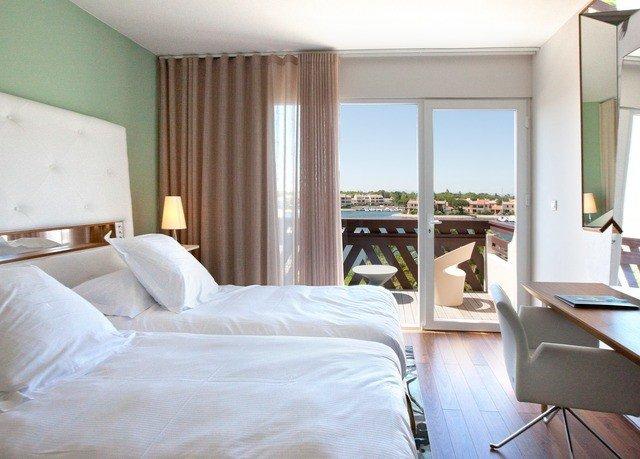 property white Suite Bedroom cottage Villa condominium pillow
