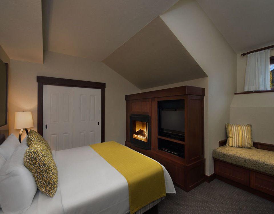 property Suite Bedroom home cottage Villa condominium