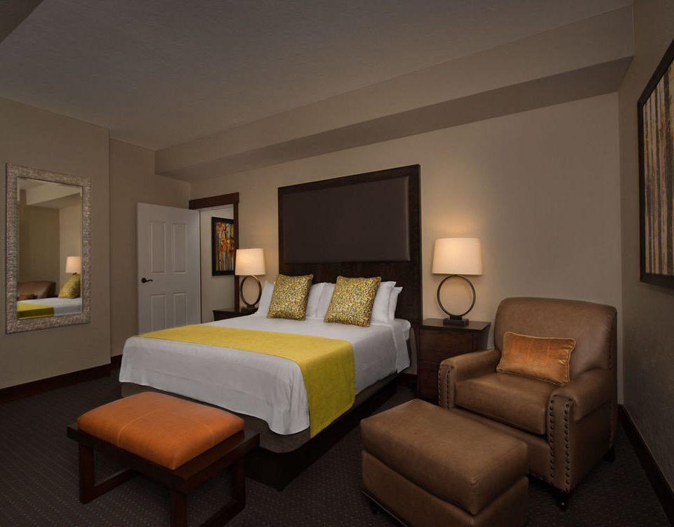 property Suite Bedroom living room condominium cottage Villa