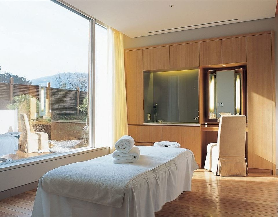 property Suite Bedroom home living room Villa cottage condominium tan
