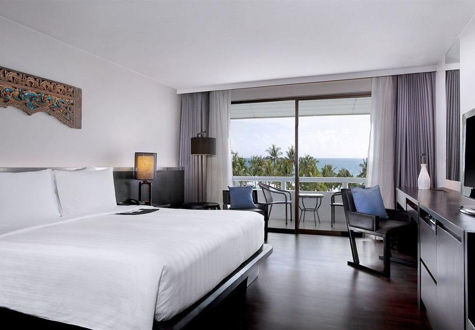 Bedroom property condominium Suite home Villa cottage living room