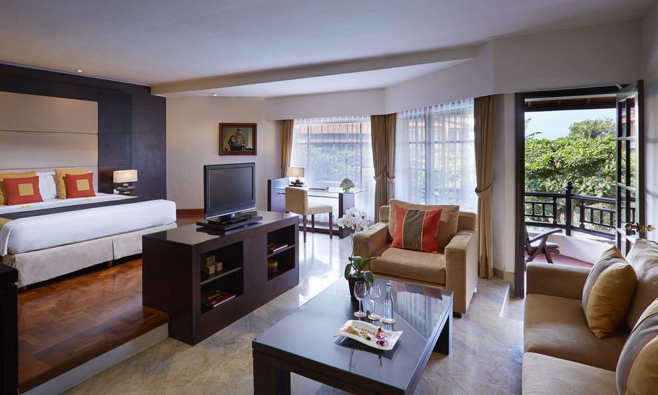 sofa property living room home Suite condominium cottage Villa Bedroom flat