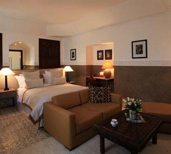 property living room scene Suite cottage hardwood condominium Villa Bedroom flat